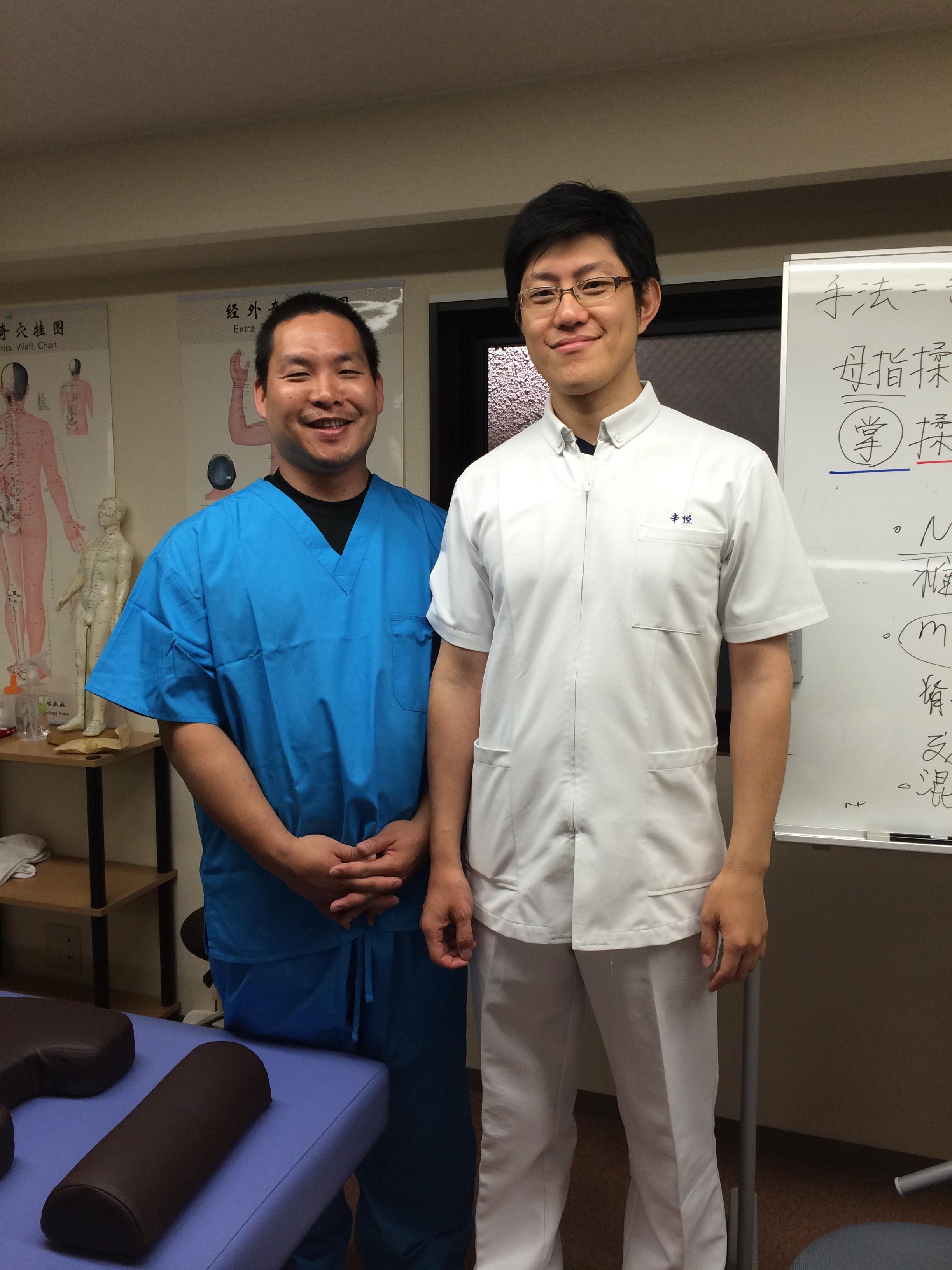 梅田の整体みどり推拿整体院の師匠・辛悦推拿医師と私